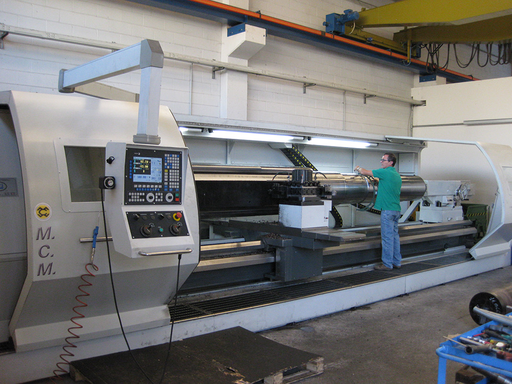 Horizontal precision turning centers with CNC ATL Heavy Plus XL 900